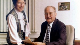 Founder Hansjörg Holzapfel with his wife Christa 1995
